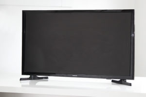 Flat Screen TV  29.5W x 18H